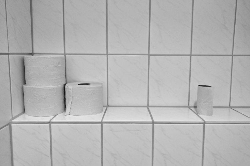 Toalettpapper på toaletten